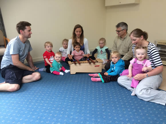 Let's Twinkle is a music programme for newborns, babies, toddlers and their parents